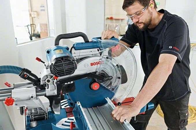 Bosch GCM 12 SDE Professional Gönye Kesme Makinası